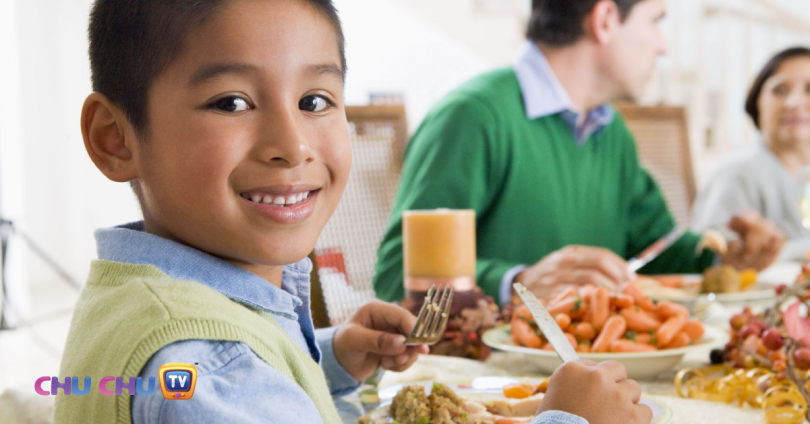 10 table manners to teach your kids-header