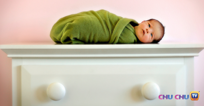 how to swaddle a newborn